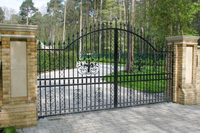 Metal pro gates railings